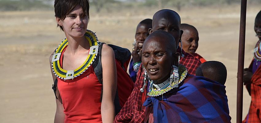 Intento de vestir como los masai