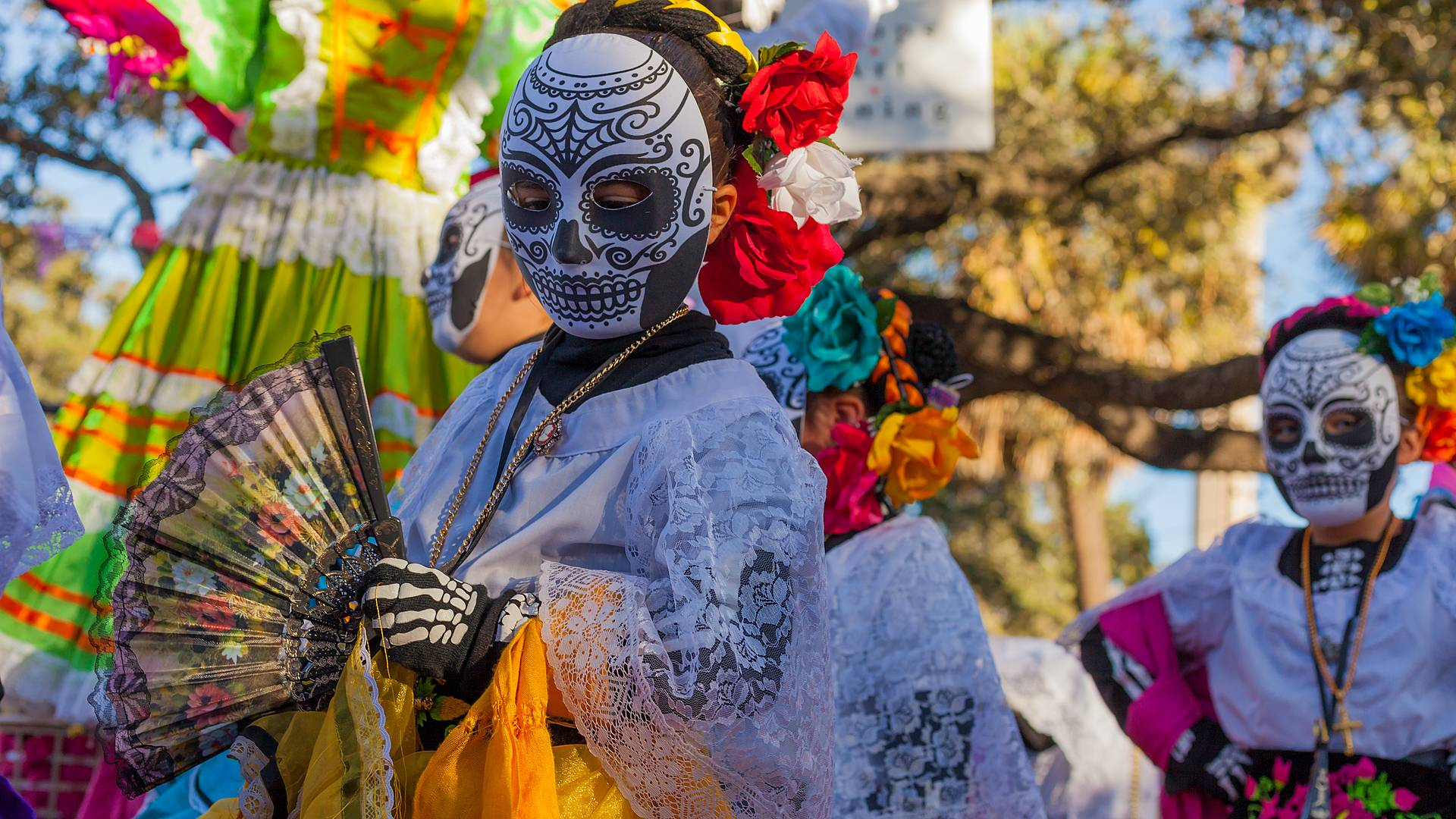 Tour a colori - speciale festa dei morti