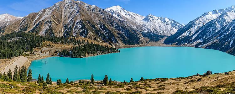 Tra il deserto del Gobi e le spettacolari montagne della Mongolia e i laghi del Kazakistan