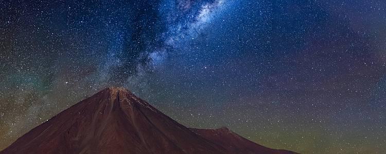 Sternenhimmel und surreale Landschaften im Norden