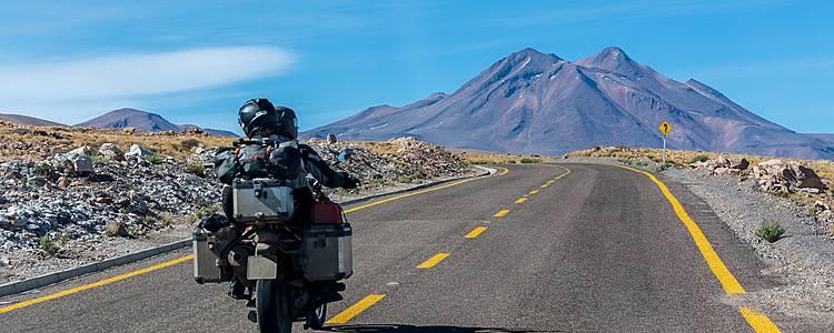 Auf dem Motorrad die Anden entlang