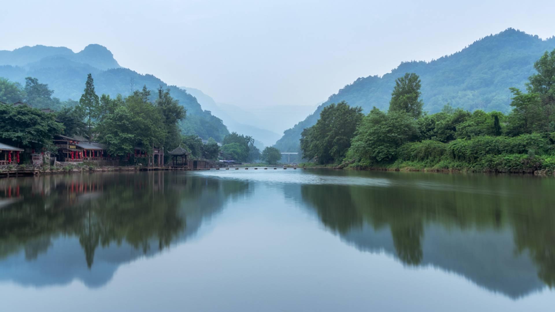 Rencontres au Sichuan : de montagnes en monastères
