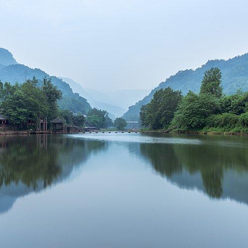 Rencontres au Sichuan : de montagnes en monastères -