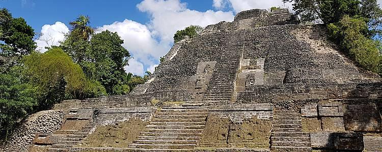 Culture et vestiges mayas, de Lamanai à Cahal Pech