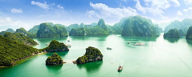 Uncover iconic sites of Vietnam