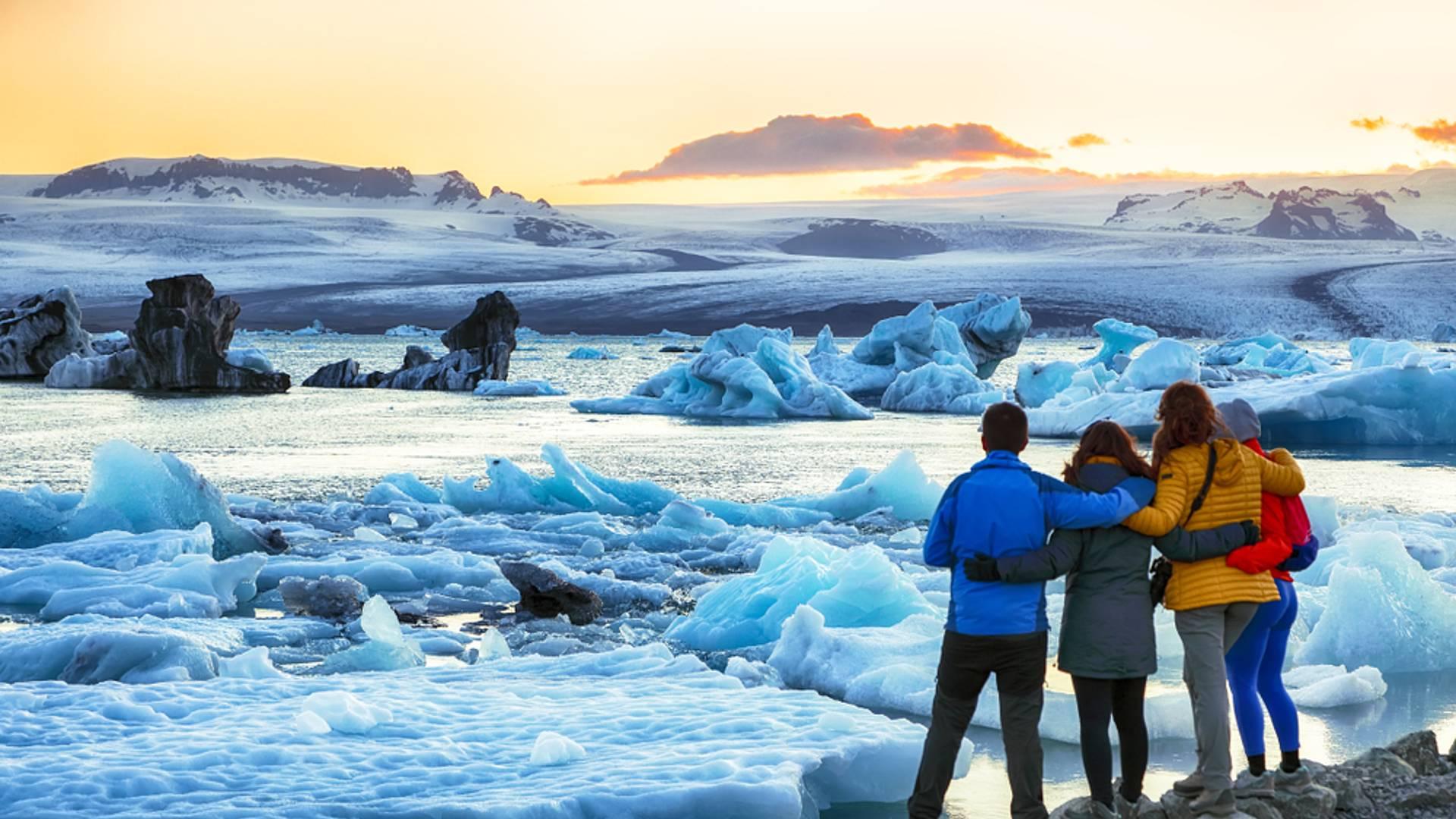 Eisige Gletscher und feurige Welten