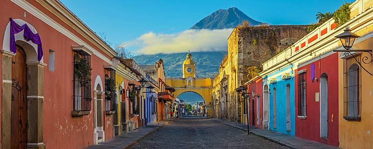 Pueblos secretos de Altiplano e inmersión en cultura maya