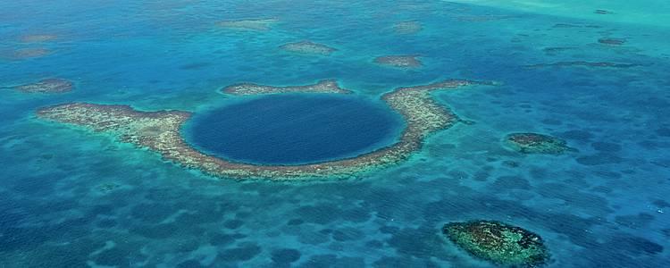 Entre cultura maya y barrera de coral