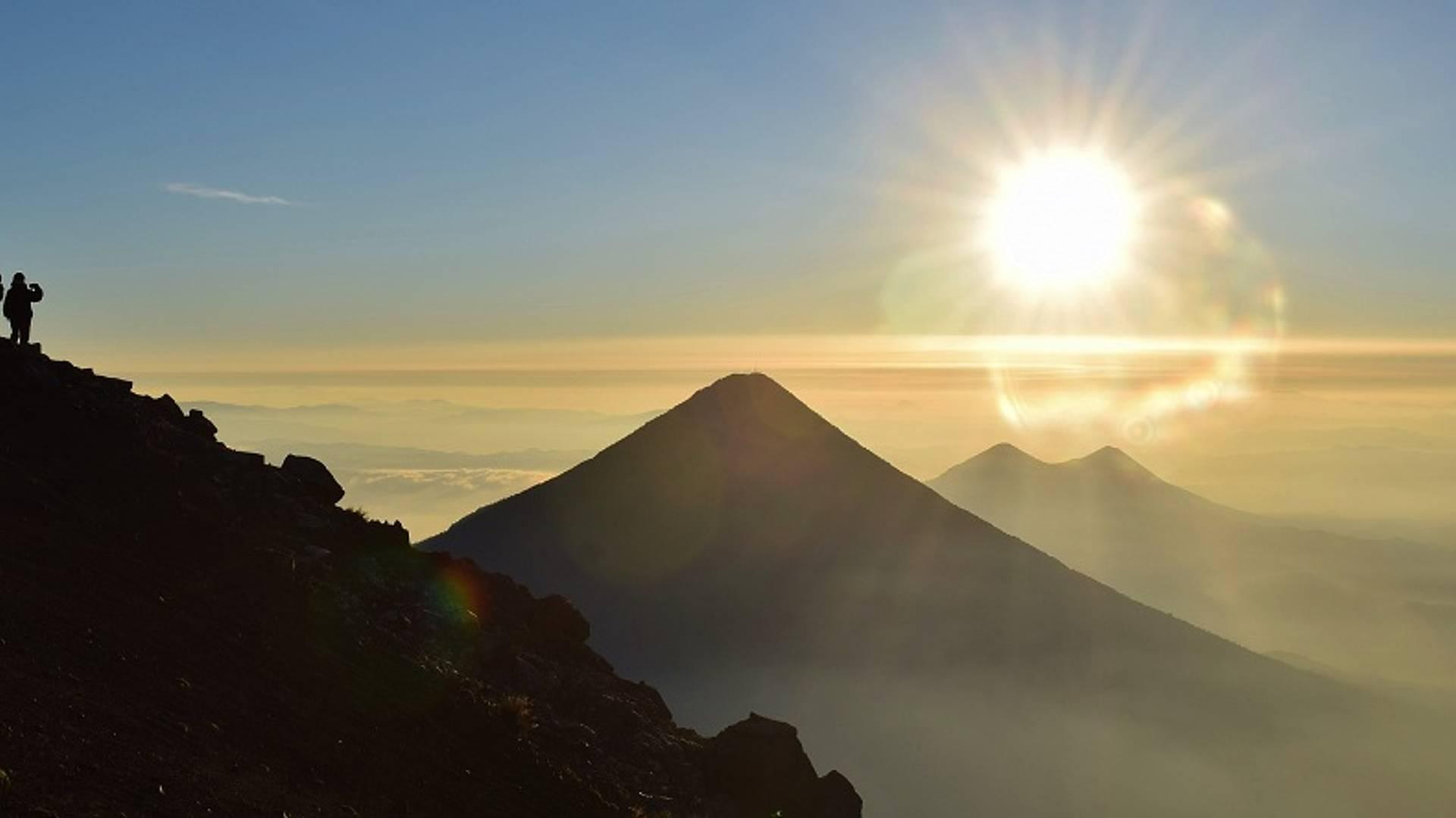 Ascension du volcan Acatenango et traditions mayas