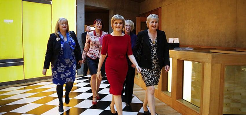 Nicola Sturgeon y su fuerza de choque
