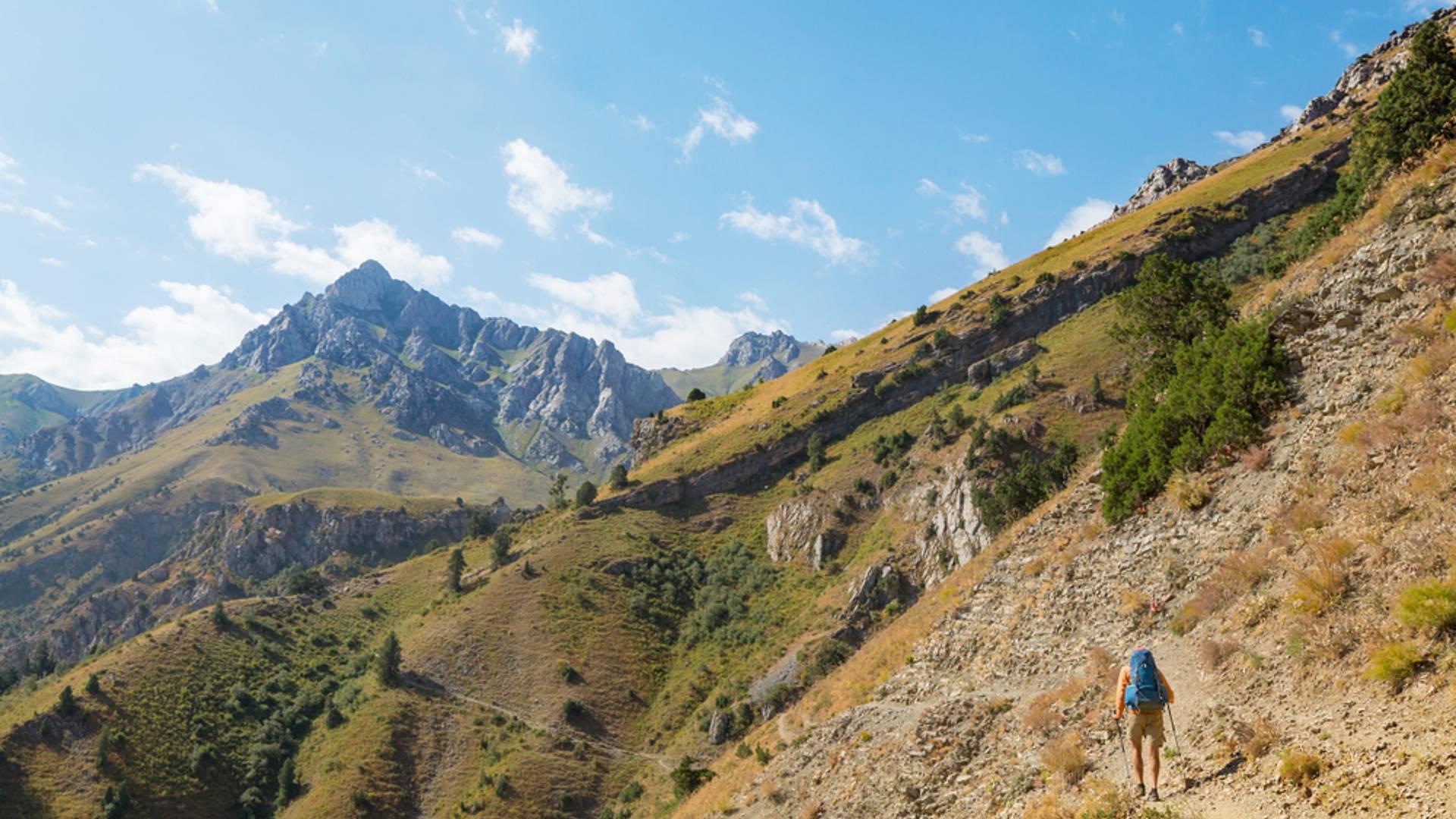 Einzigartige Wanderungen durch Berge und Oasen