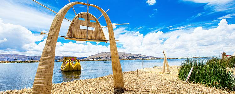White cities, ancient ruins and Lake Titicaca