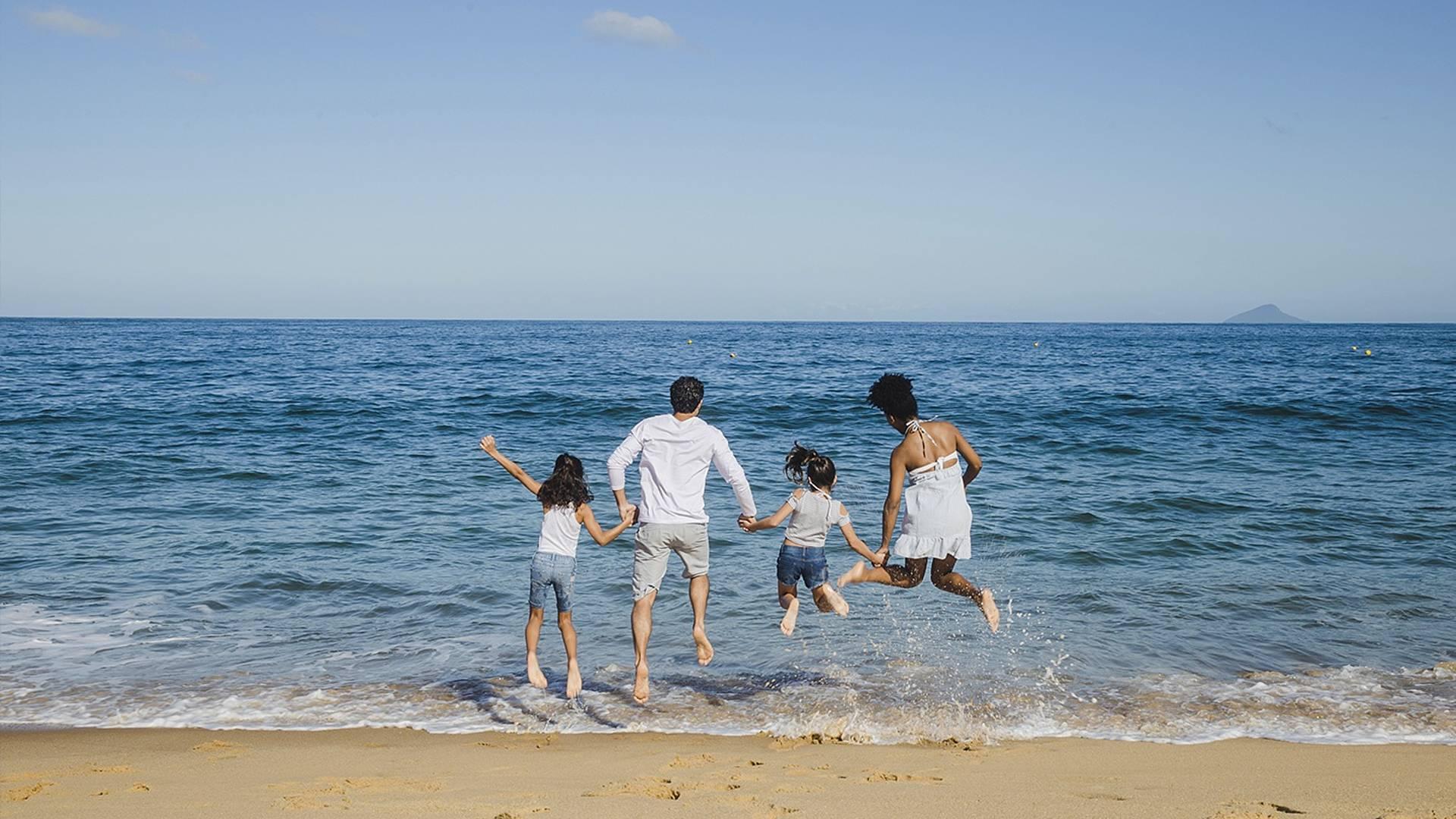 Baignades et escapades ludiques en famille, pour petits explorateurs