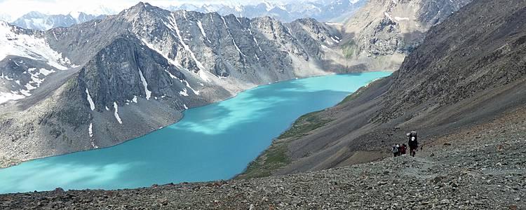 Viaje hacia el lago Sarychelek