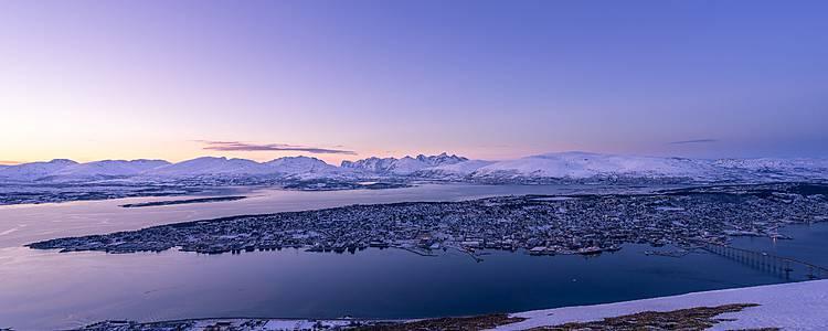 Avventura invernale tra husky e Aurora boreale