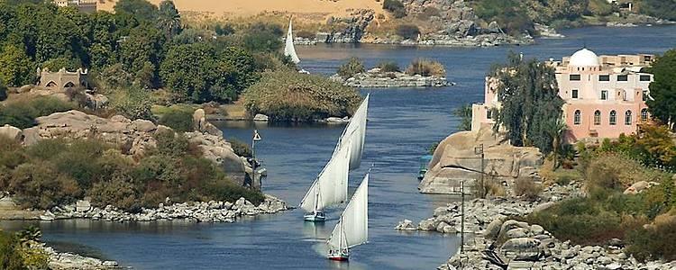 Soluzione ecologica alla navigazione sul Nilo: la felucca nubiana