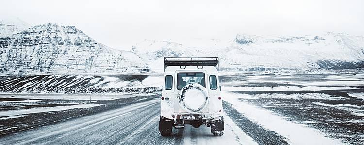Road trip Icelands wintry landscape