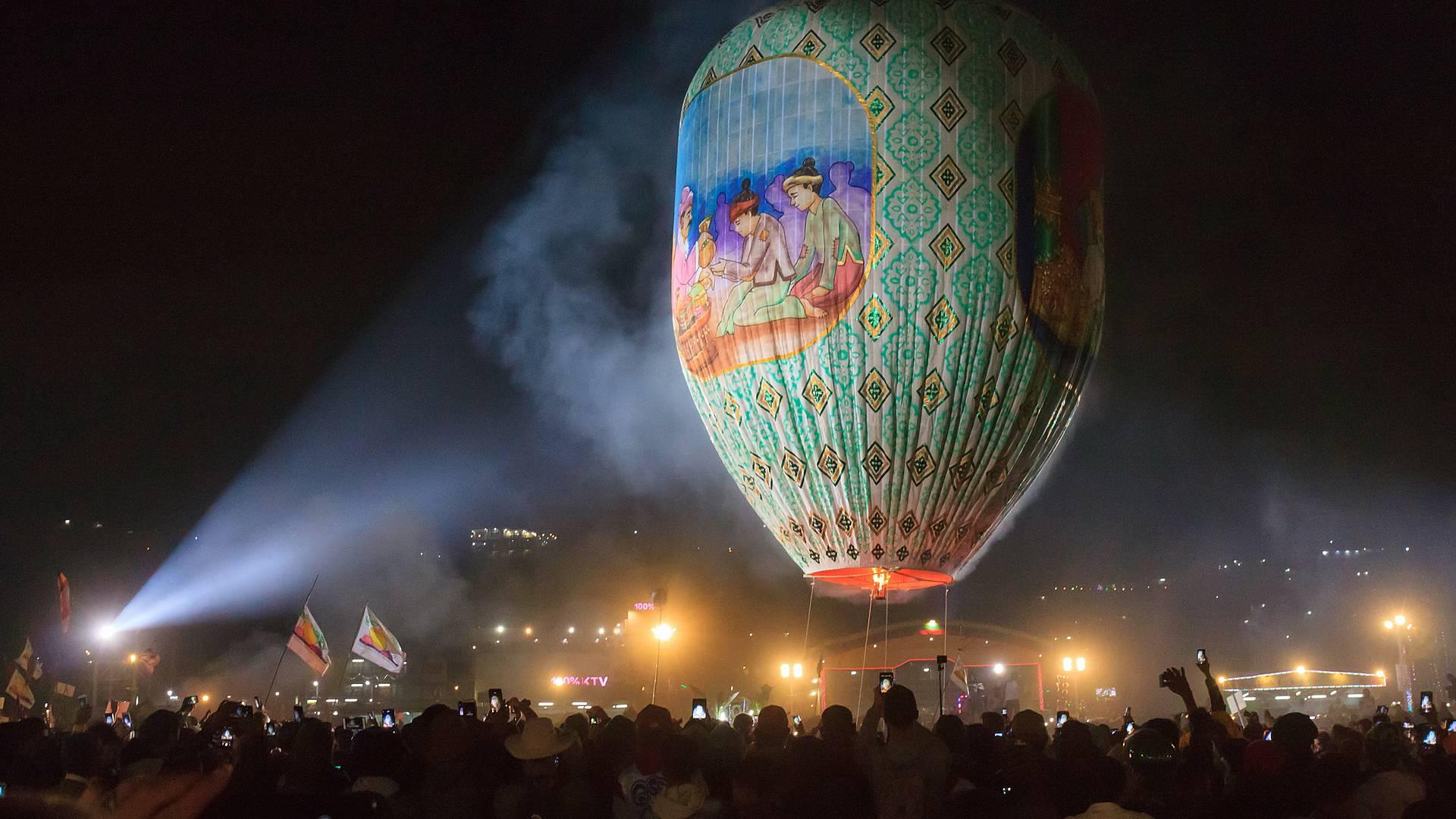 Il pittoresco festival delle mongolfiere a Taunggyi