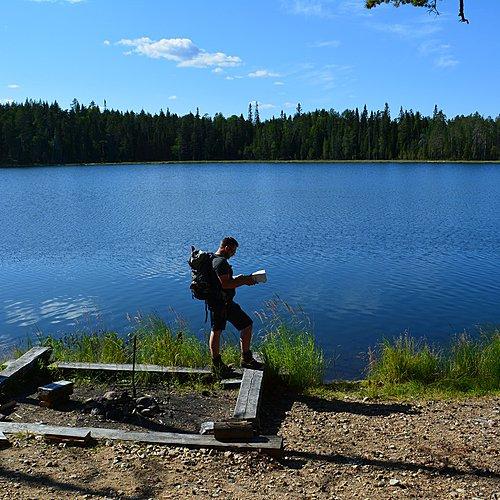 Randonnée et bivouac - La Finlande en été -