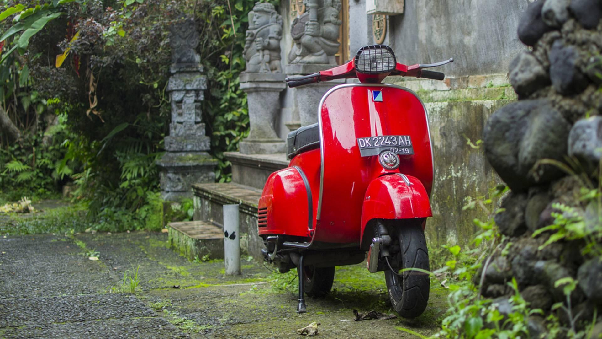 Puro enduro en Java y aventura en moto