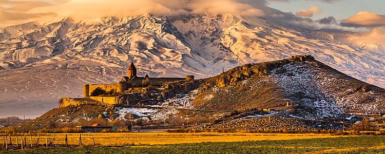 Kulturelle Entdeckungsreise zwischen Kaukasus und Ararat
