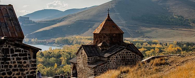 Une citadelle perchée, entre Arménie et Géorgie