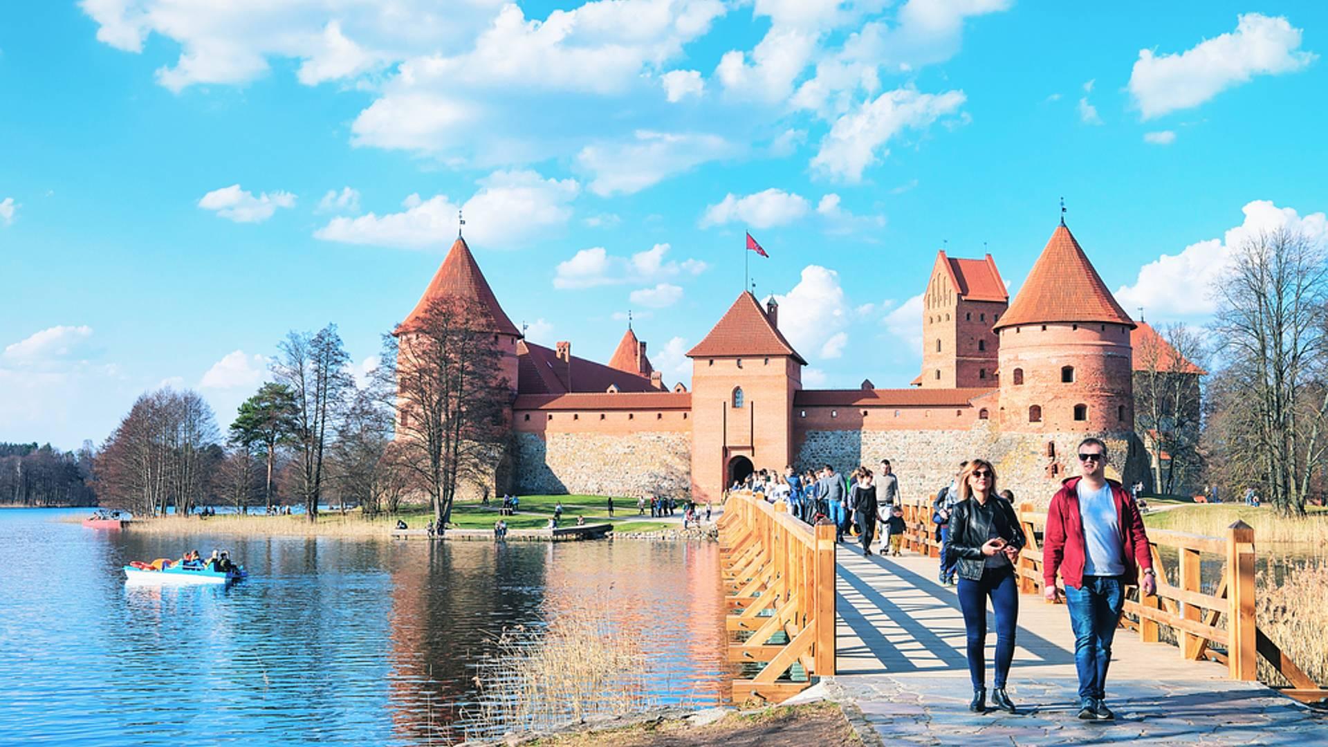Una fuga romantica tra i maestosi Castelli dei Baltici