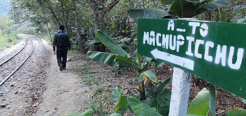 Suivez le guide ! en route vers Machu Pichu