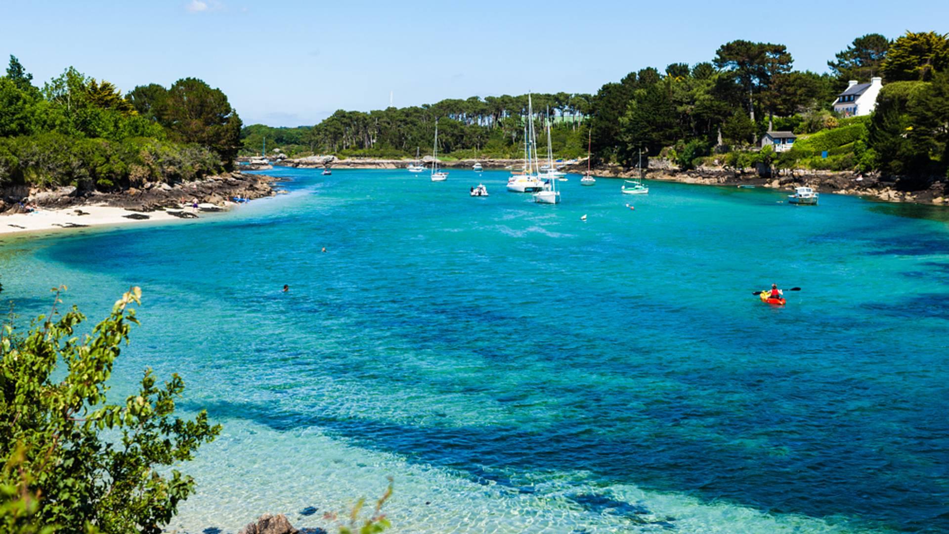 Traditions et plages paradisiaques en Bretagne du sud : Quimper, Concarneau, Vannes et les îles
