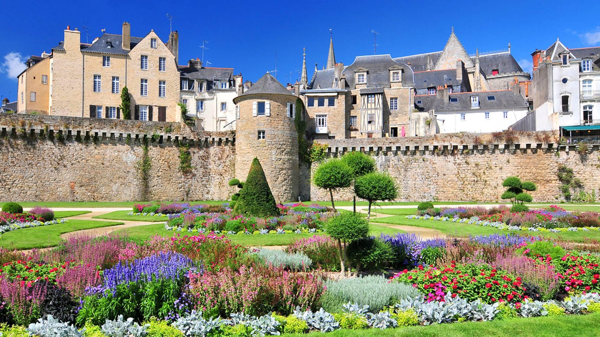 Les plus beaux châteaux de Bretagne : voyage au temps des Ducs