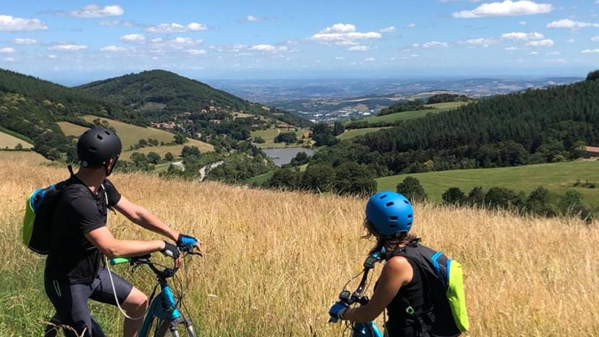 Les Monts du Lyonnais : sport, nature et immersion avec les ados