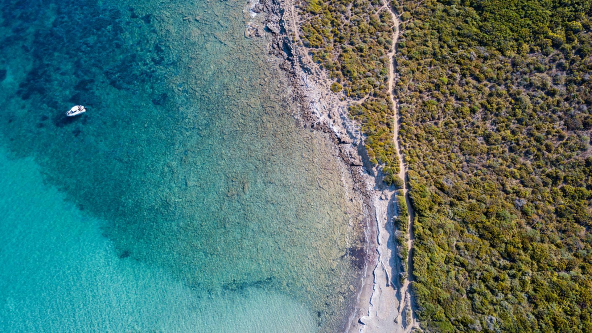 Viaggio itinerante in Corsica: tra mare e montagne