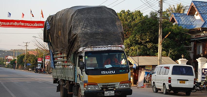 Un camión en Laos