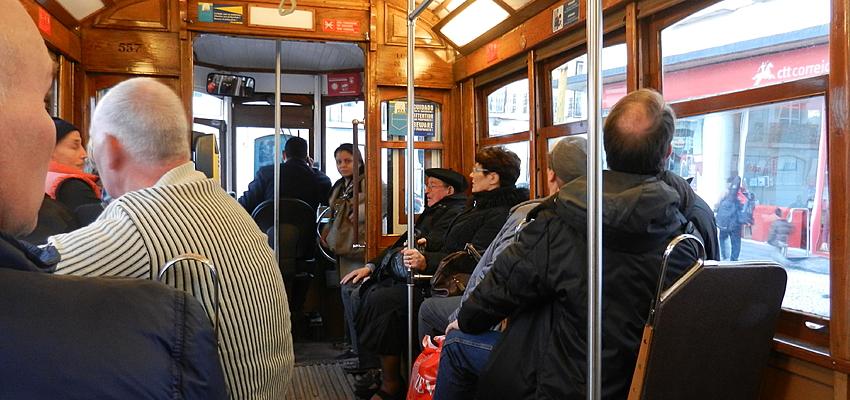 Dans les transports avec les Portugais