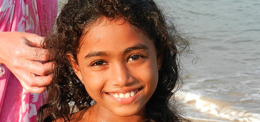 Petite fille au Sri Lanka