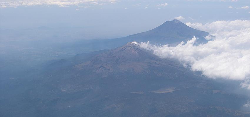 Vue aérienne sur le Popocatépetl