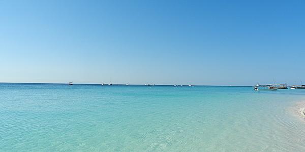 Les eaux cristallines de Diani Beach