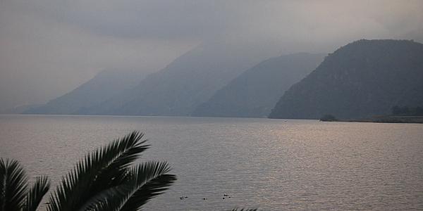 Une vue sur le lac Atitlán