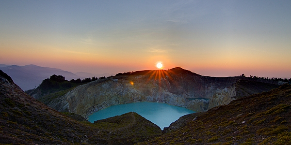 Sunrise at the summit of Kelimutu volcano