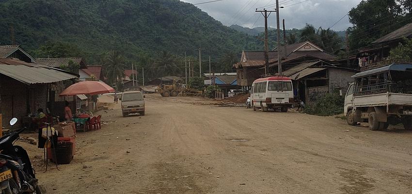 Route au Laos