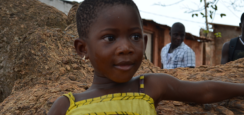 Petite fille au Burkina Faso