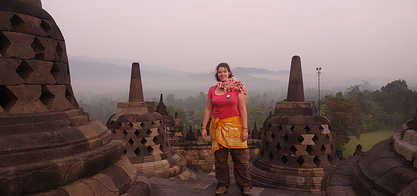Dress properly to visit a temple in Indonesia
