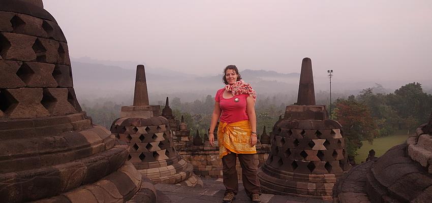 Bien s'habiller pour visiter un temple en Indonésie
