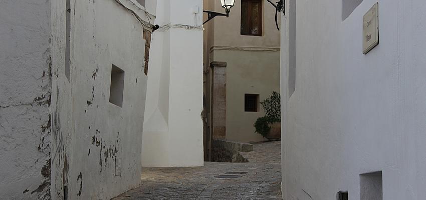 Iles Baleares La Vieille Ville D Ibiza Evaneos