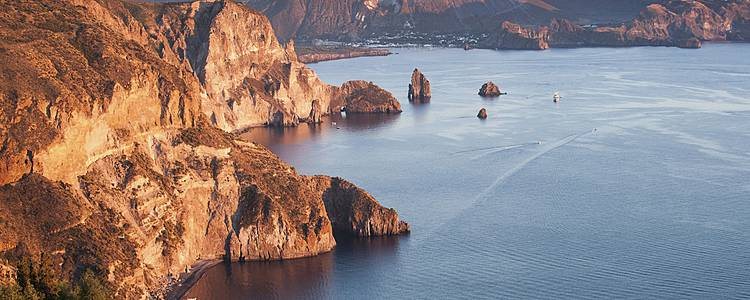 Lo splendore delle Isole Eolie in libertà