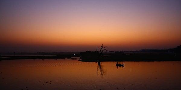 A la deriva por Mandalay