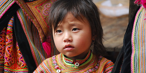 A young Flower Hmong girl