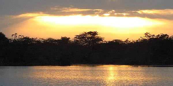 Puesta de sol en la Laguna Grande