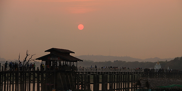 The super U Bein bridge