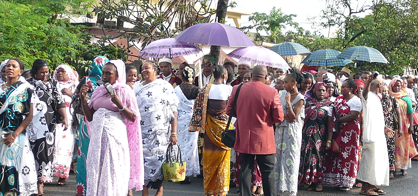 Población de Mahoré durante una ceremonia